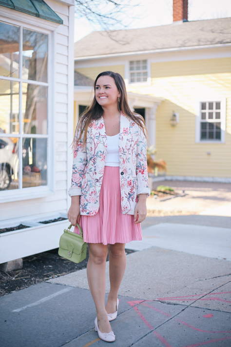 Floral Peices You Don't Want to Miss Out On | simplypoisedfashion.com @rachellaurenlucy simply poised fashion | Zara Floral Blazer with Loft Pink Skirt and DSW Pink Heels