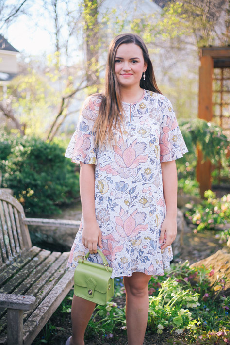 Spring and Summer Fashion Style Round Up Loft Multi Color Floral Dress with DSW Pink Heels and Green Small Handbag in Hudson, Ohio- Simply Poised Fashion @rachellaurenlucy-8